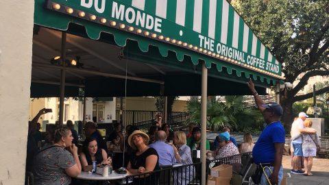 Man singing outside Cafe Du Monde, New Orleans