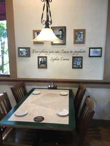 Photo of table at Tutto Fresco.