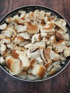 Photo of bread for stuffing.