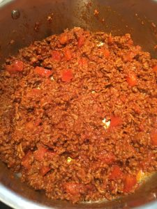 Photo of meat sauce cooking.